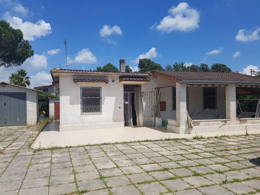 Villa in vendita a Cisterna di Latina, 3 locali, prezzo € 115.000 | CambioCasa.it