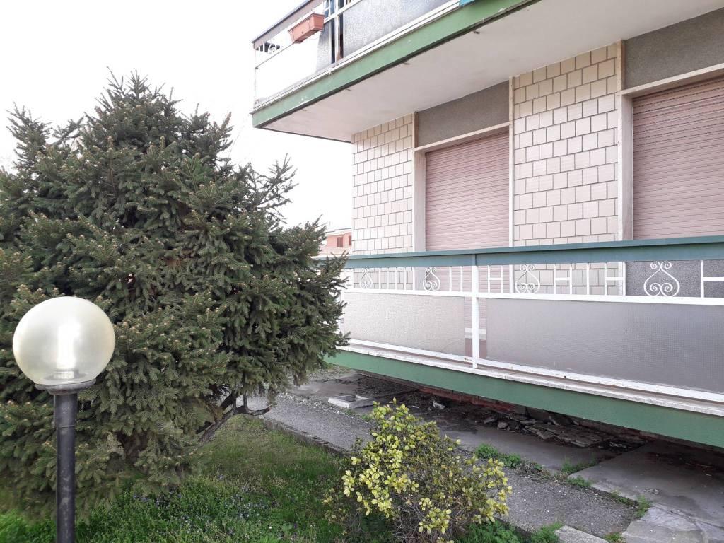 Appartamento in vendita a Santhià, 4 locali, prezzo € 55.000 | CambioCasa.it