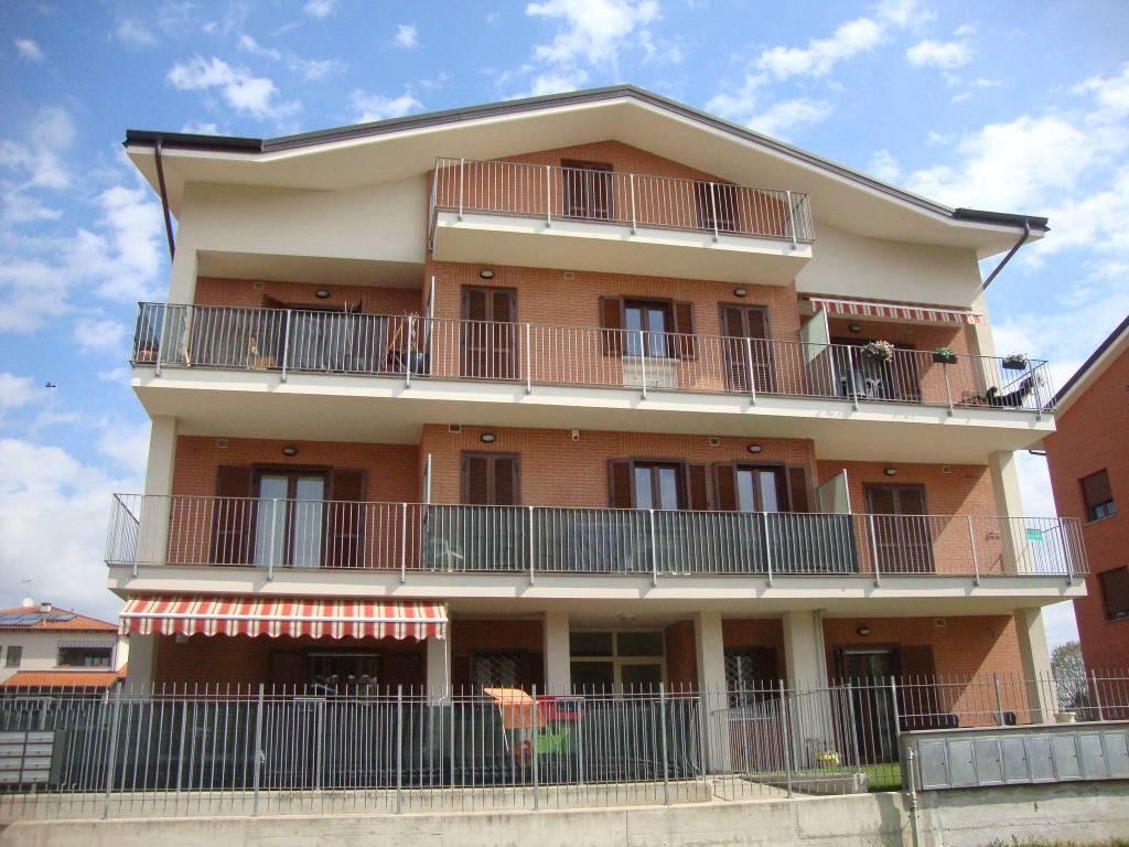 Foto 1 di Bilocale via Brignole, Santena
