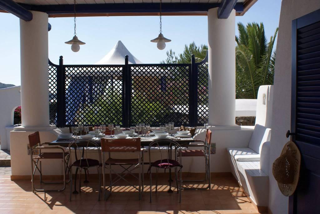 Villa in Vendita a Pantelleria