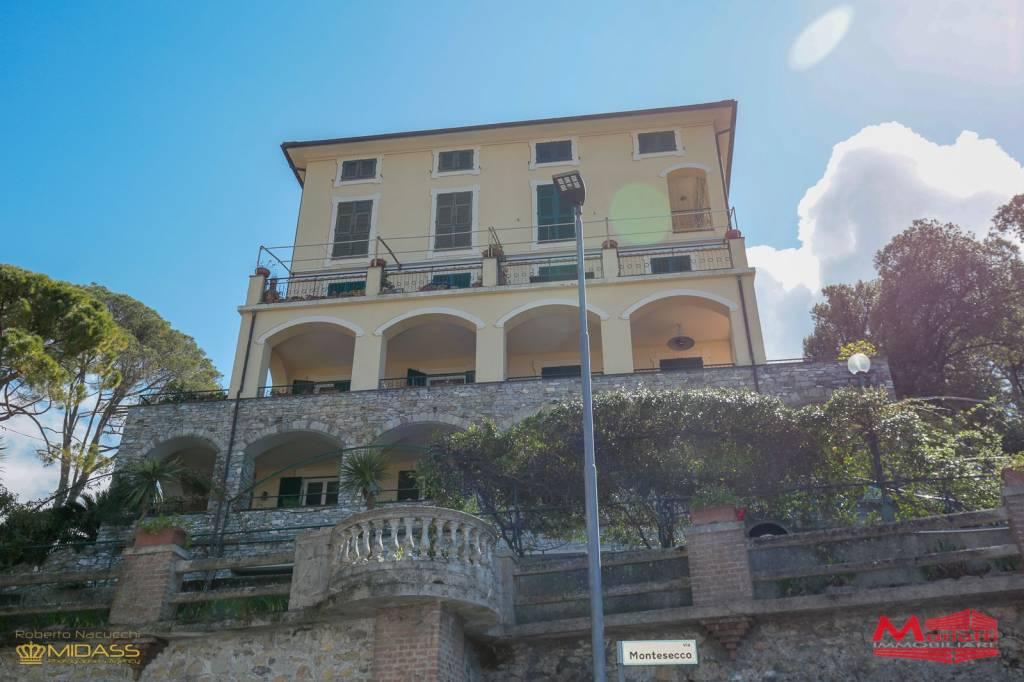 Foto 1 di Villa via Enrico Figari, Camogli