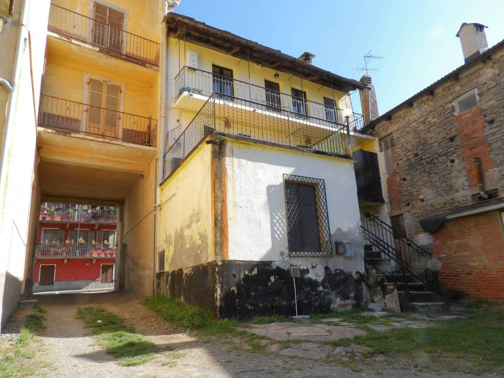 Foto 1 di Trilocale corso Rocco Galliano 43/b, Pinasca