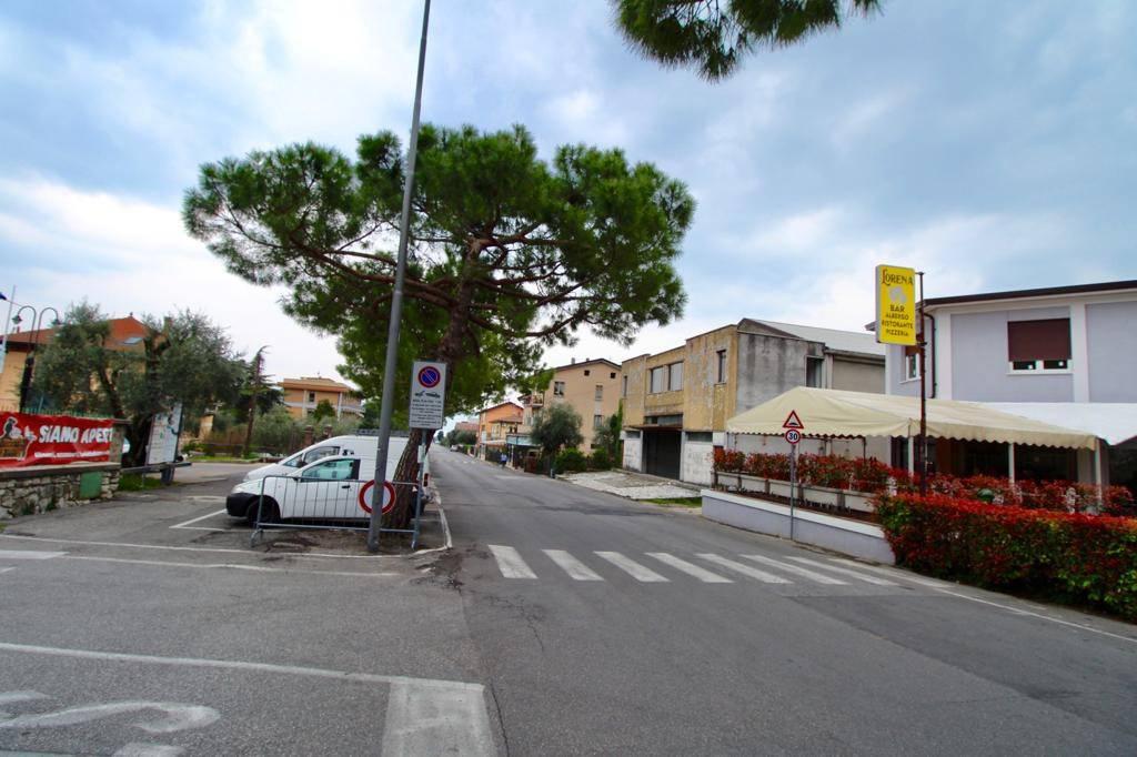 Negozio / Locale in vendita a Toscolano-Maderno, 6 locali, prezzo € 1.900.000 | CambioCasa.it