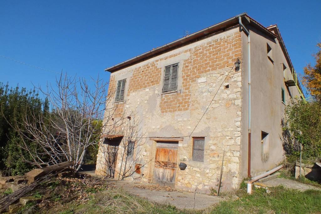 Rustico / Casale da ristrutturare in vendita Rif. 8971933