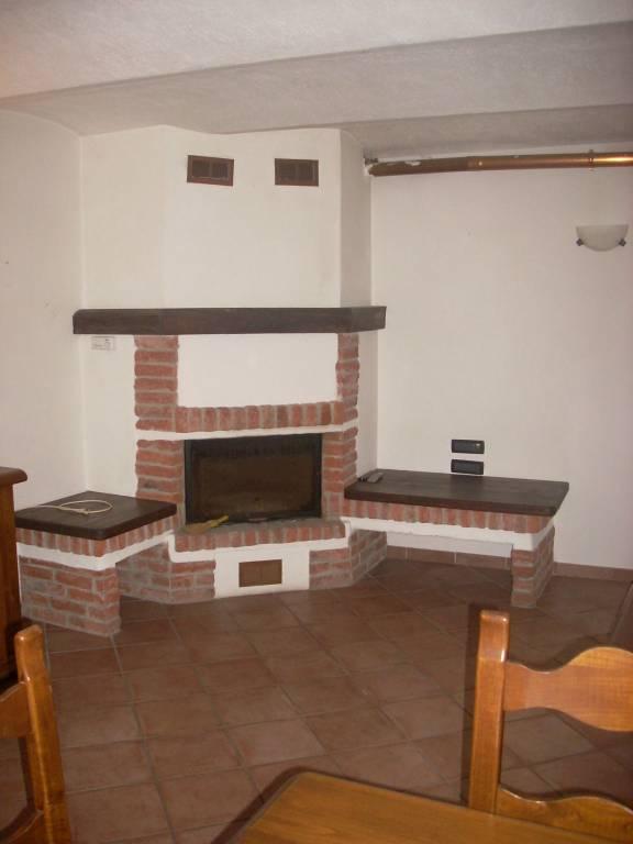 Foto 1 di Casa indipendente strada Buretta 34, frazione Benne, Corio