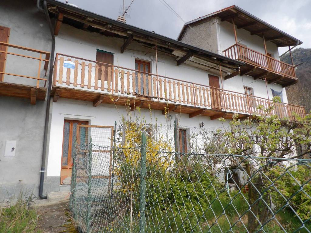 Foto 1 di Rustico / Casale Borgata Belle Fugera, Condove