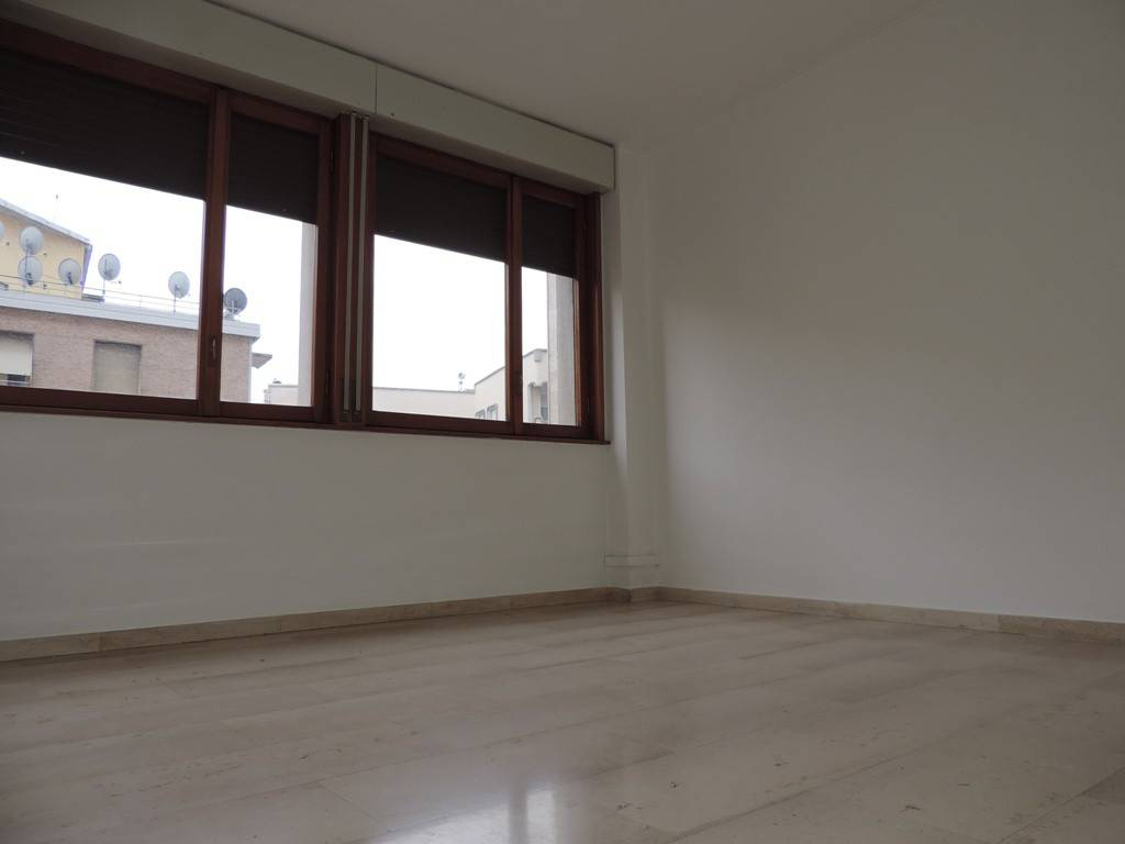 Appartamento in affitto a Vercelli, 3 locali, prezzo € 450 | PortaleAgenzieImmobiliari.it