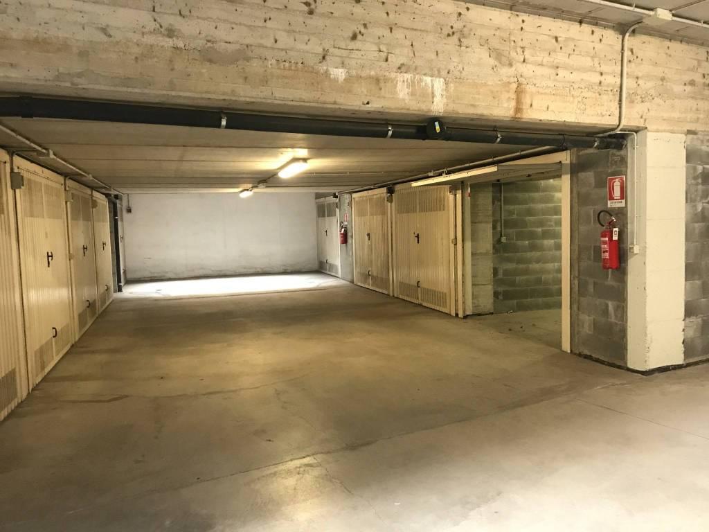 Foto 1 di Box / Garage via Giovanni Spano 6/11, Torino (zona Lingotto)