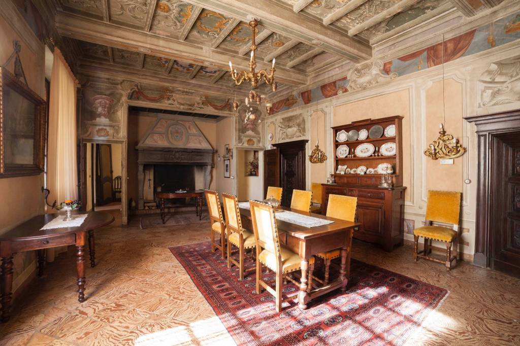 Palazzo / Stabile in vendita a Mombello Monferrato, 6 locali, Trattative riservate   CambioCasa.it