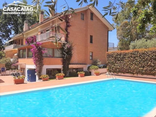 Villa in affitto a Roma in Viale Prassilla