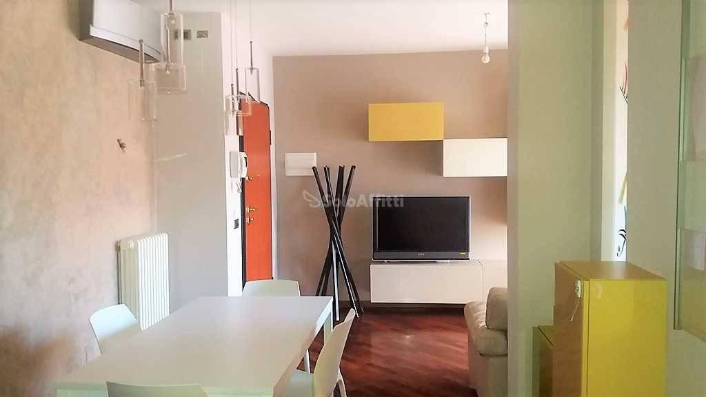 Appartamento in Affitto a Arezzo Semicentro: 4 locali, 106 mq