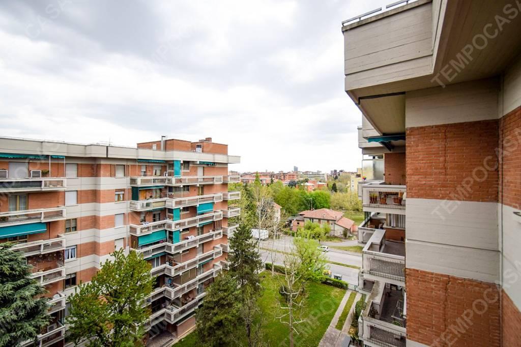 Foto 1 di Attico / Mansarda viale Roma, Bologna (zona Mazzini, Fossolo, Savena)