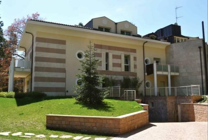 Appartamento in vendita a Varese, 4 locali, prezzo € 930.000 | PortaleAgenzieImmobiliari.it