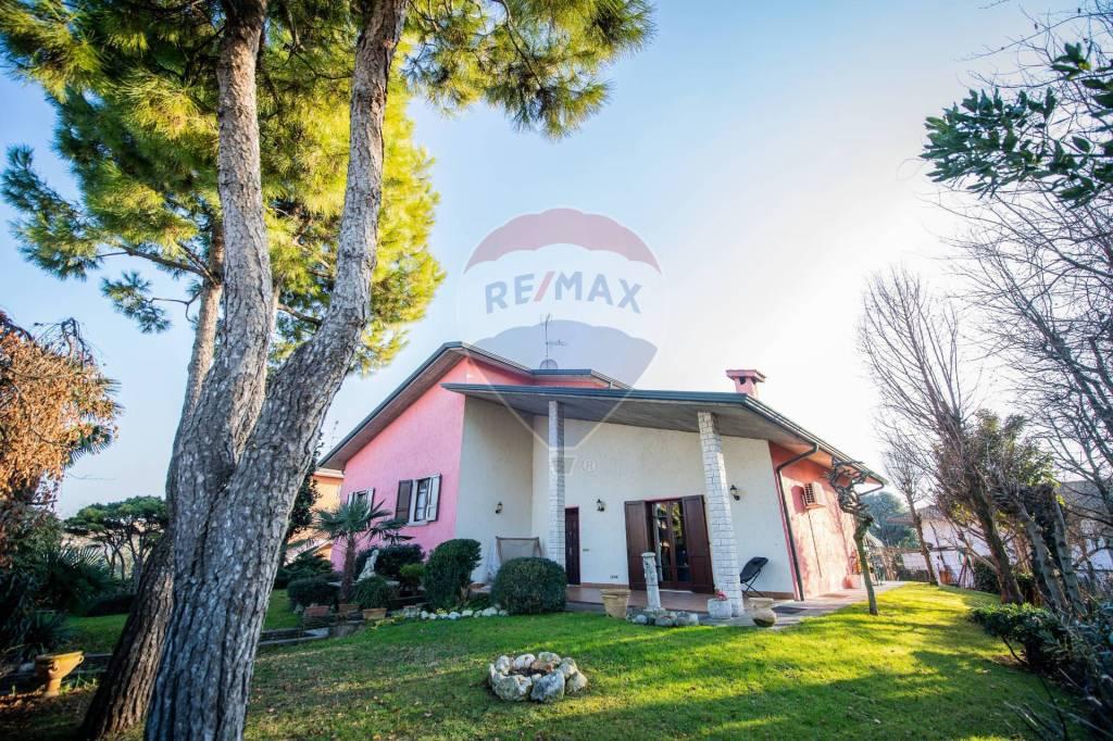 Villa in vendita a Ghedi, 6 locali, prezzo € 310.000   PortaleAgenzieImmobiliari.it