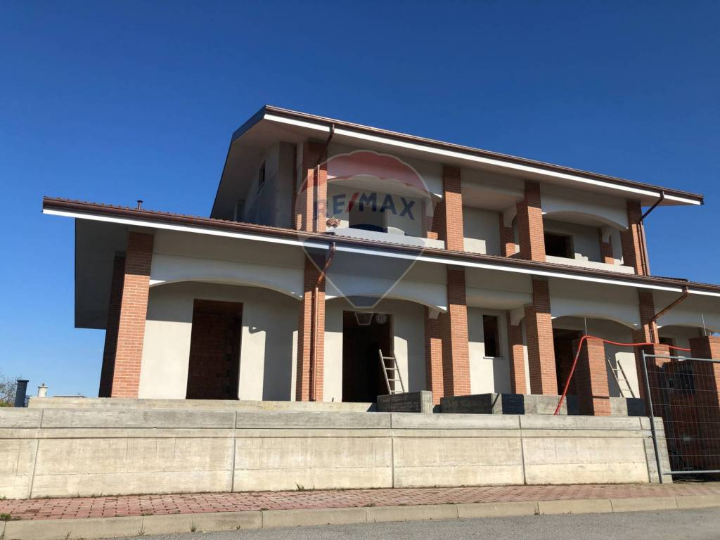Foto 1 di Villa via san sodario, Villafranca Piemonte