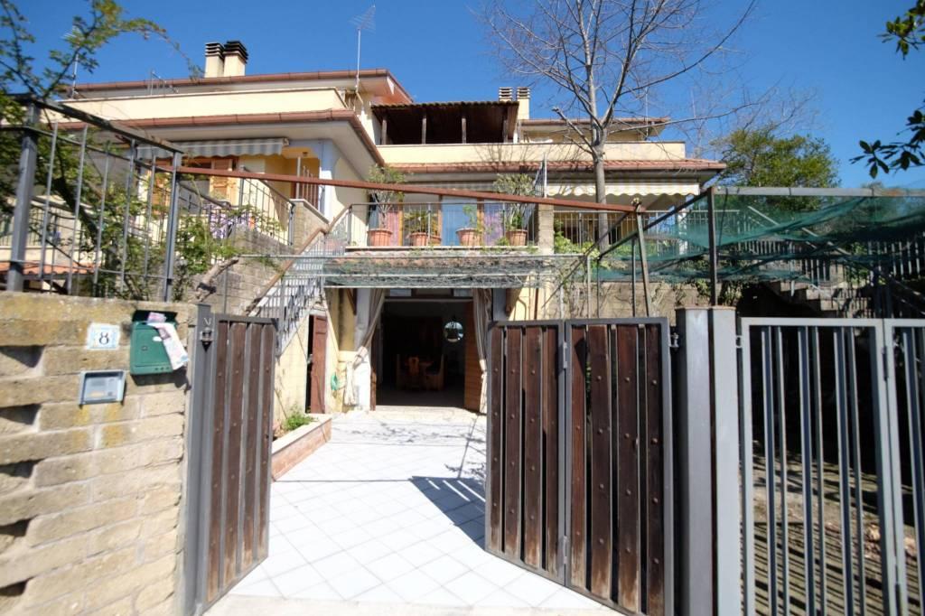 Torri in Sabina (RI) Completo Villa bifamiliare