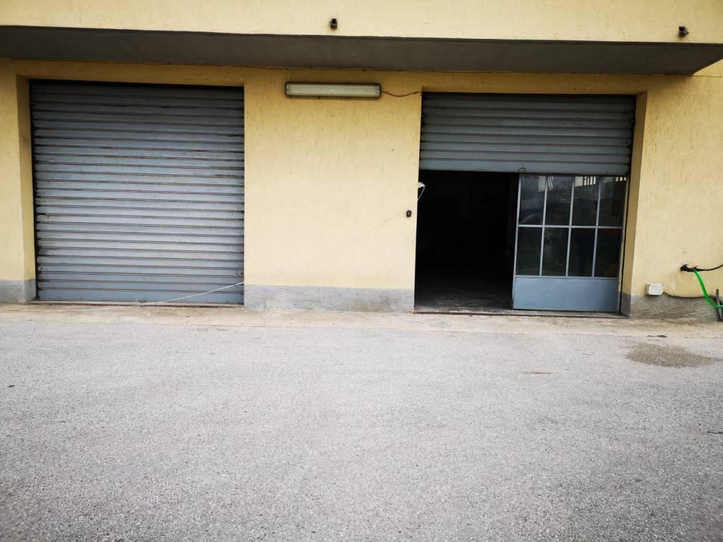 Magazzino in affitto a Trevi, 2 locali, prezzo € 280 | CambioCasa.it