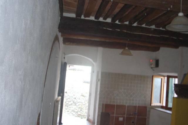 Appartamento in ottime condizioni parzialmente arredato in vendita Rif. 4977461