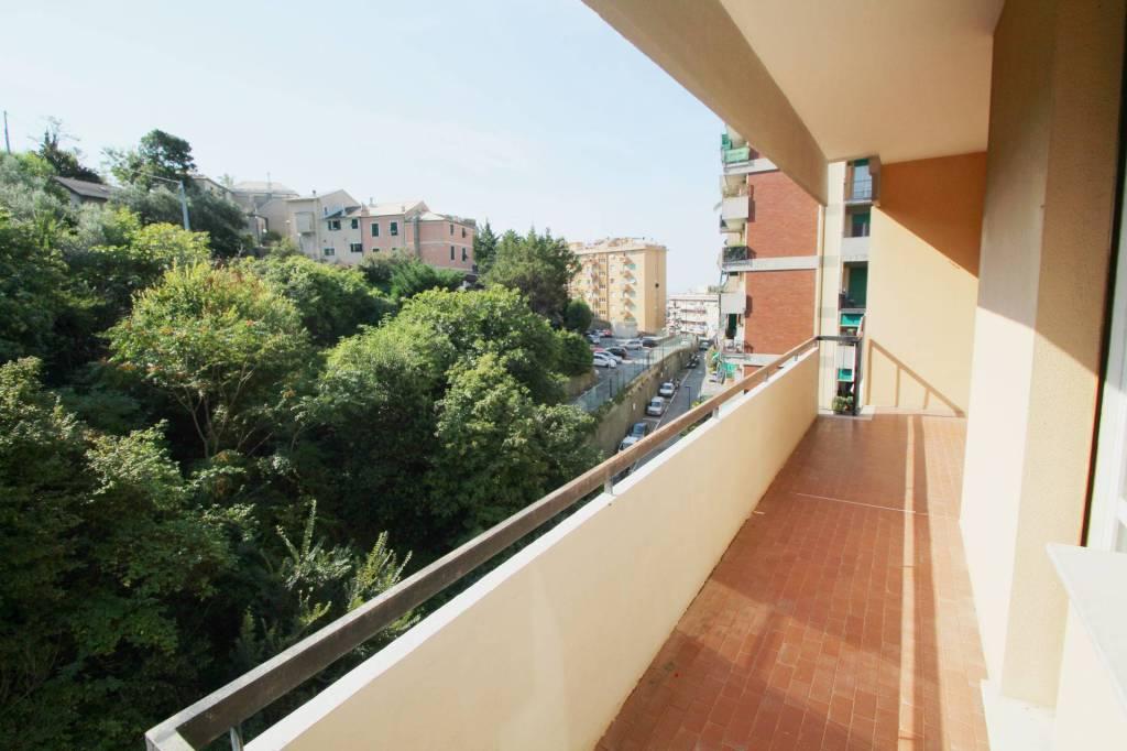 Foto 1 di Bilocale via Franco Antolini 14, Genova (zona S.Fruttuoso-Borgoratti-S.Martino)