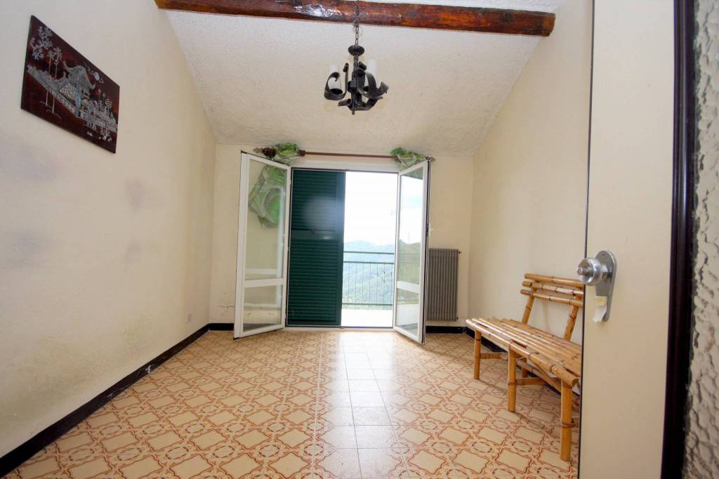 Foto 1 di Appartamento via San Giorgio, Vezzi Portio