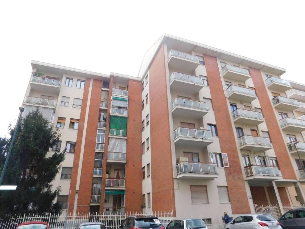 Foto 1 di Quadrilocale via Palmiro Togliatti 12, Torino (zona Mirafiori)
