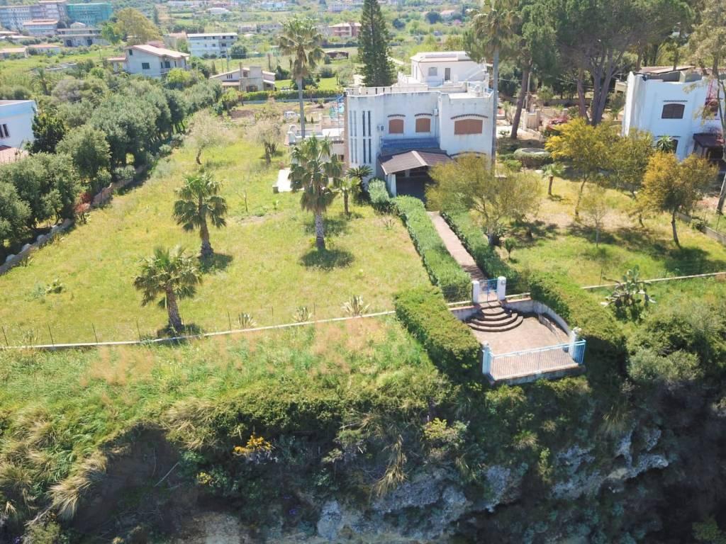 Villa in buone condizioni in vendita Rif. 9192756
