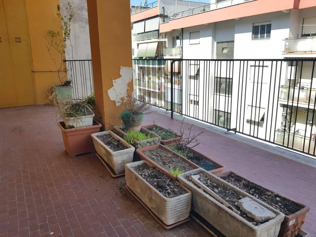 Appartamento in vendita a Roma, 4 locali, prezzo € 290.000 | CambioCasa.it