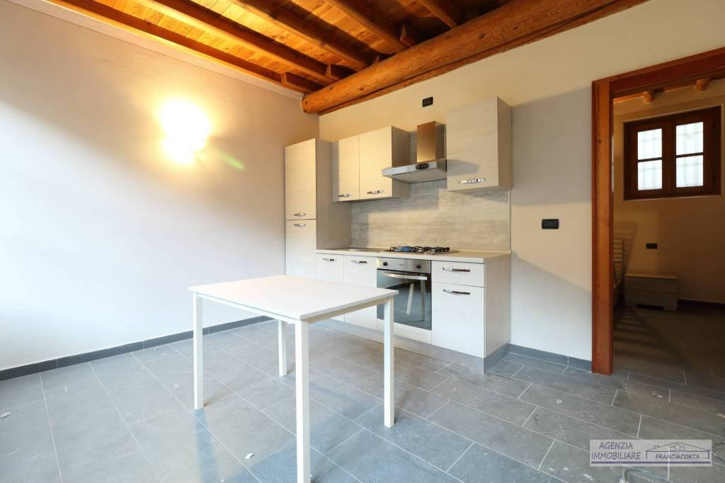 Appartamento in ottime condizioni in affitto Rif. 4850875
