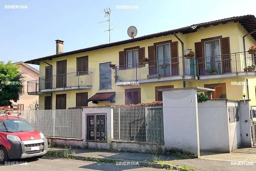 Appartamento in vendita a Robecco sul Naviglio, 3 locali, prezzo € 118.000   CambioCasa.it