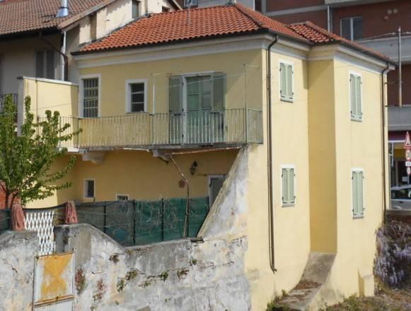 Villa in vendita a Bianzè, 5 locali, prezzo € 69.000 | PortaleAgenzieImmobiliari.it