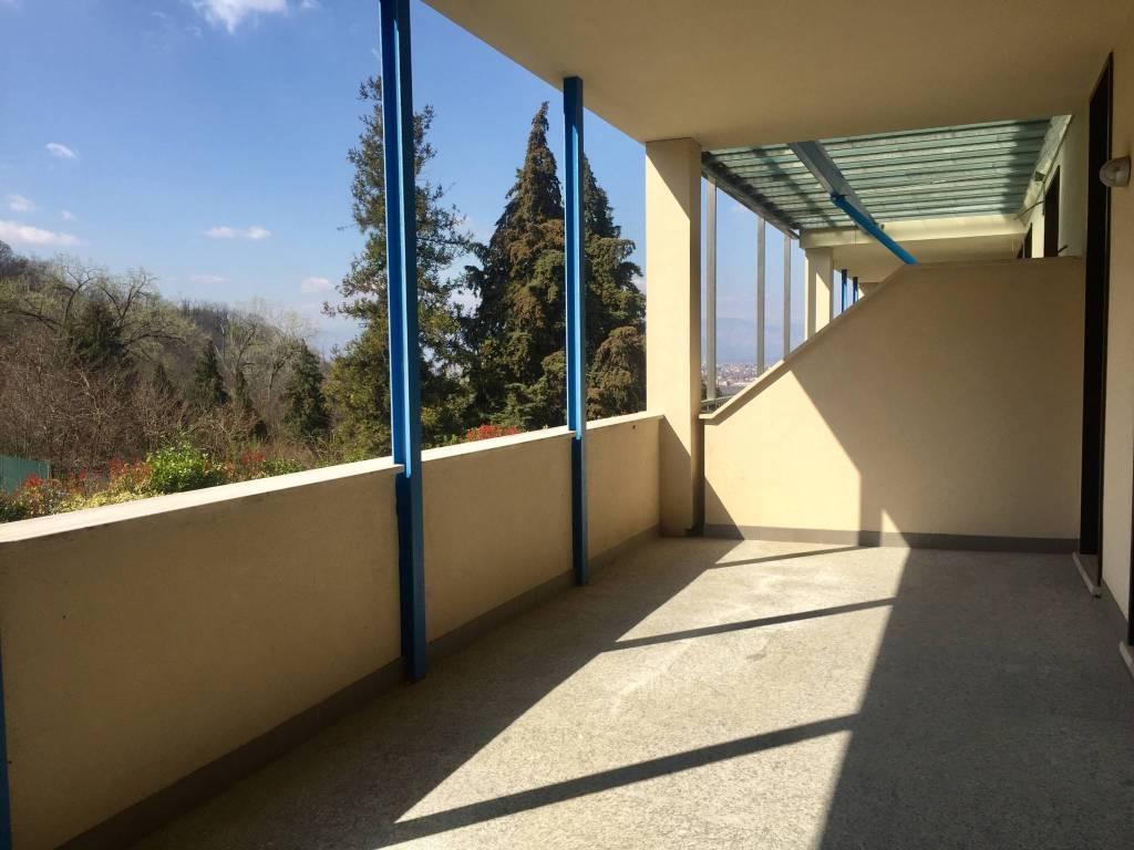 Foto 1 di Quadrilocale piazza Hermada, Torino (zona Precollina, Collina)