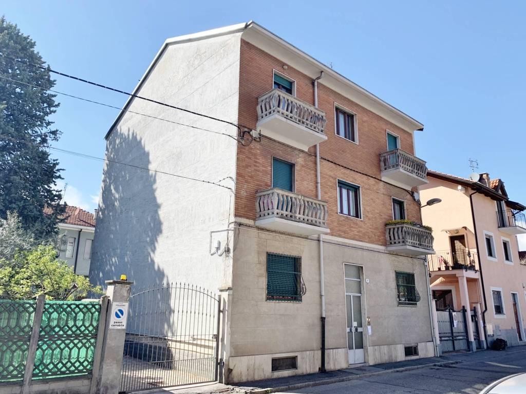 Appartamento in buone condizioni in affitto Rif. 8949165