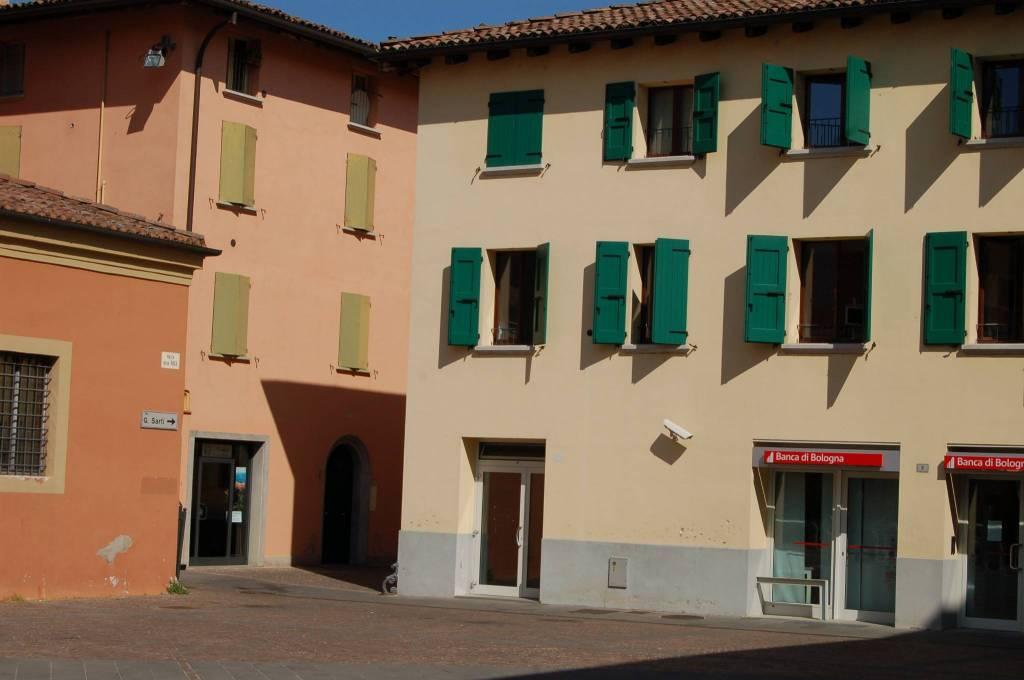 Negozio / Locale in affitto a Valsamoggia, 4 locali, prezzo € 900 | CambioCasa.it