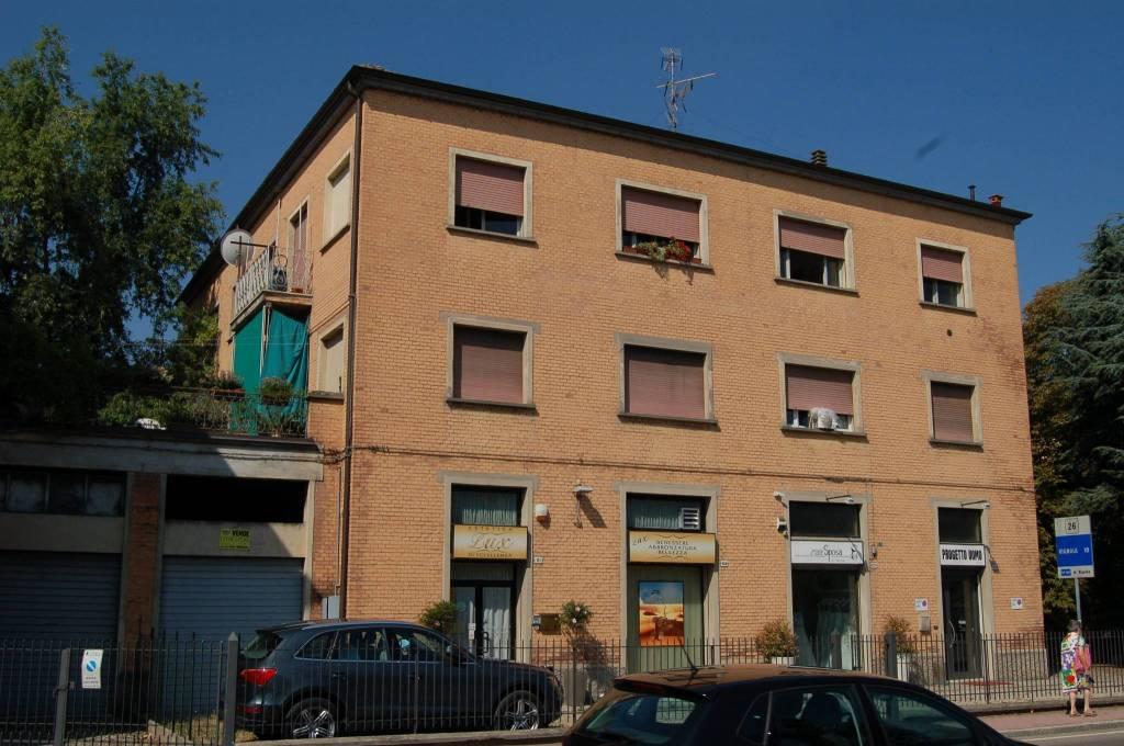 Negozio / Locale in affitto a Valsamoggia, 1 locali, prezzo € 900 | CambioCasa.it