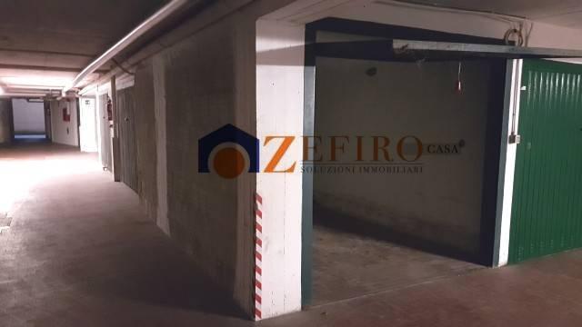 Posto-box auto in Vendita a Casalecchio Di Reno Periferia: 13 mq