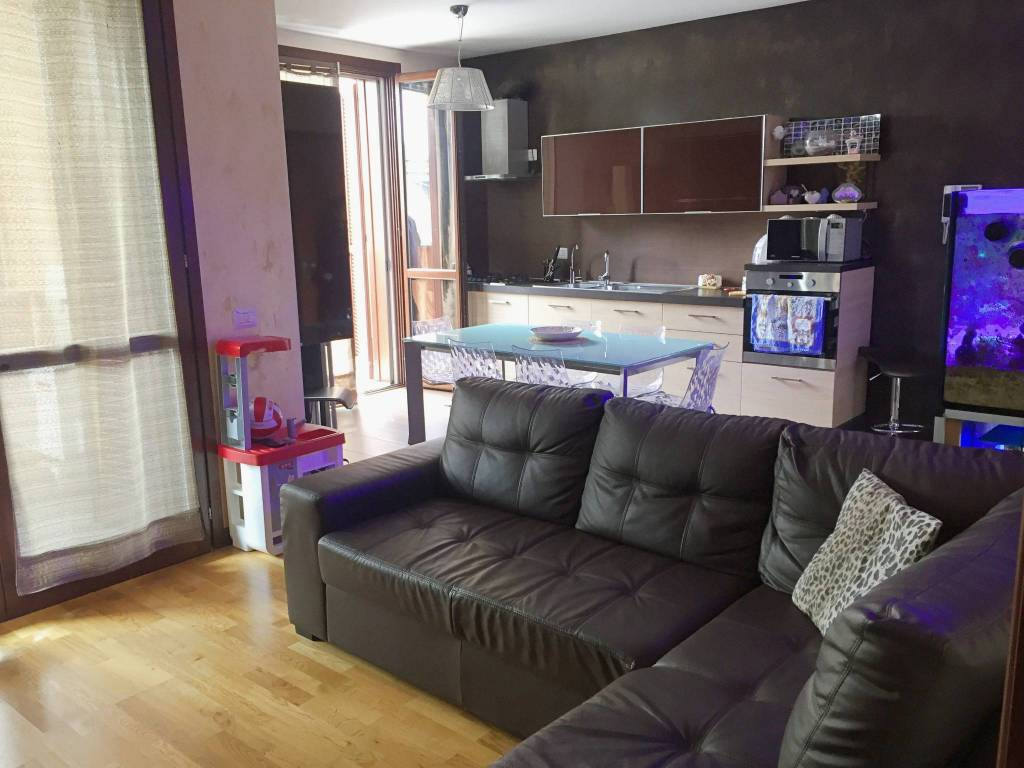 Appartamento in ottime condizioni arredato in vendita Rif. 7857290