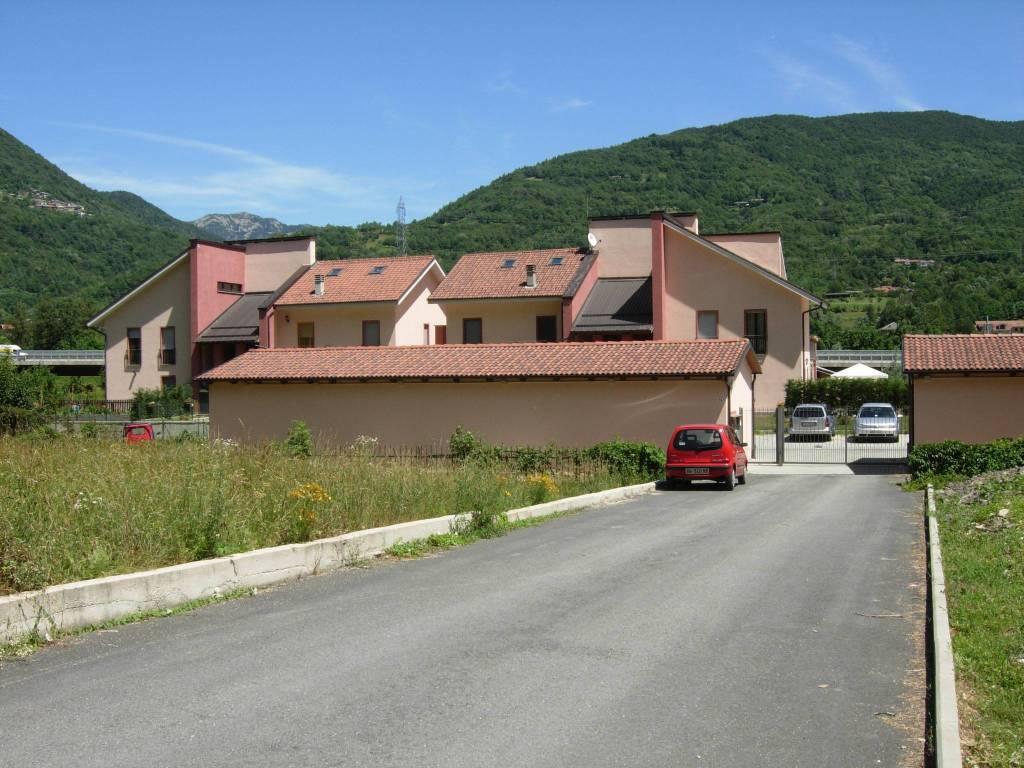 Foto 1 di Quadrilocale via Provinciale 74, Inverso Pinasca