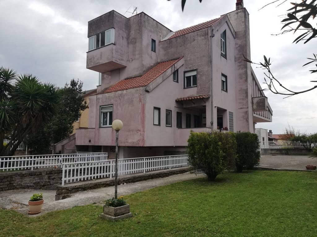 Appartamento in vendita a Caiazzo, 6 locali, prezzo € 150.000 | PortaleAgenzieImmobiliari.it