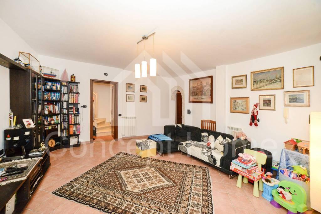 Villa in vendita a Roma, 3 locali, zona Zona: 38 . Acilia, Vitinia, Infernetto, Axa, Casal Palocco, Madonnetta, prezzo € 319.000 | CambioCasa.it