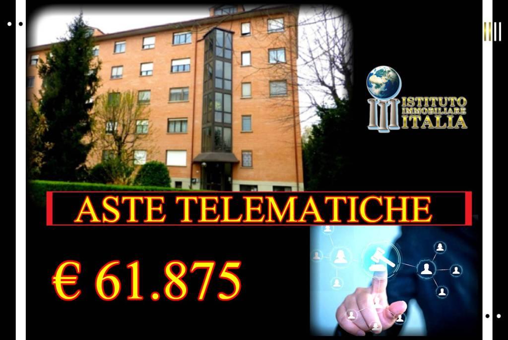 Appartamento in buone condizioni in vendita Rif. 8885677