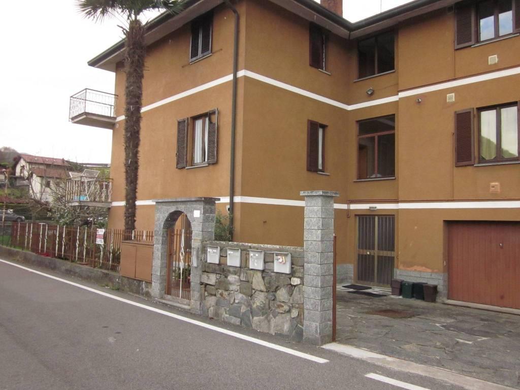 Appartamento in vendita a Marchirolo, 4 locali, prezzo € 90.000 | CambioCasa.it