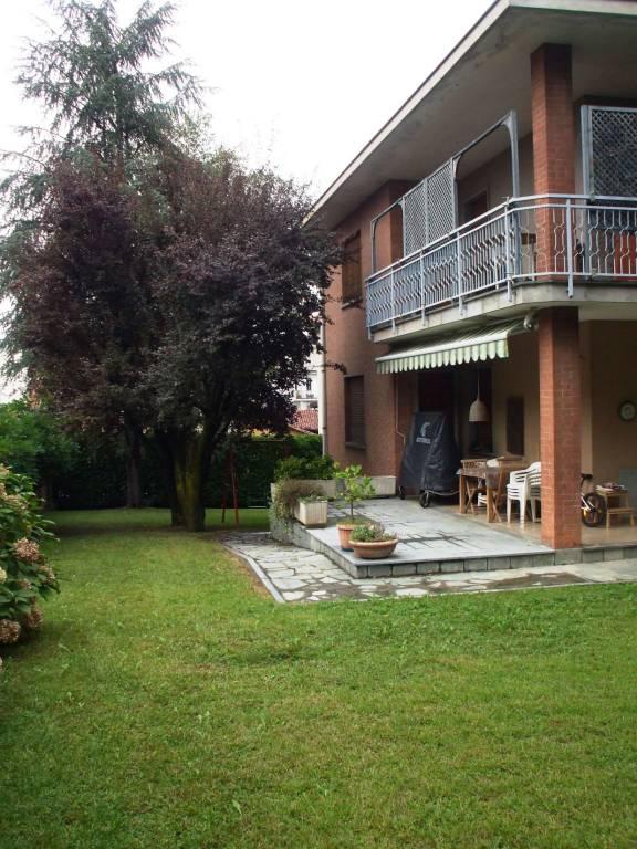 Foto 1 di Quadrilocale viale Luigi Bollino, Gassino Torinese