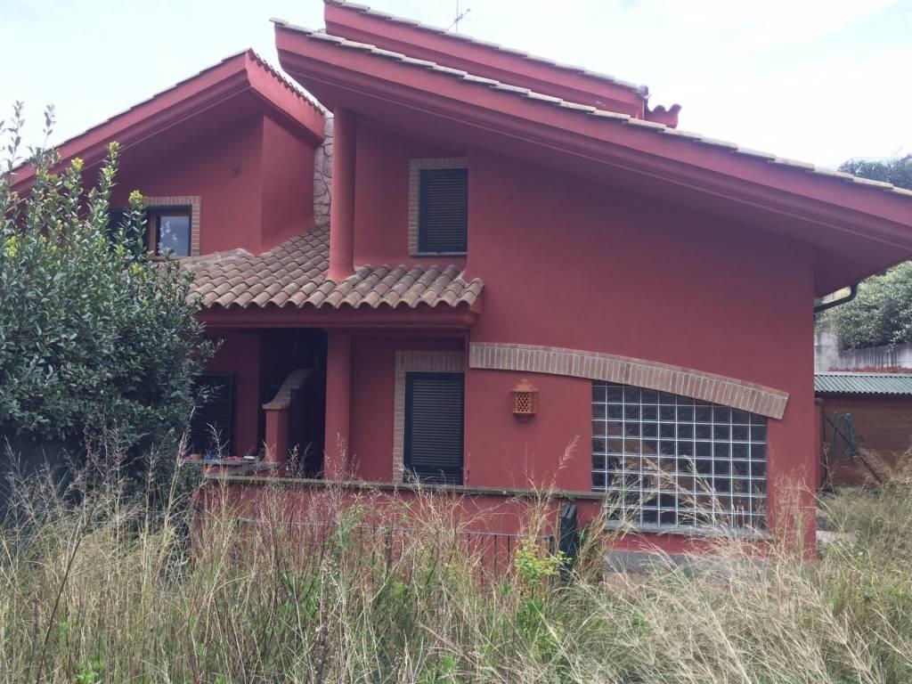 Villa in affitto a Formello, 4 locali, prezzo € 1.000 | CambioCasa.it