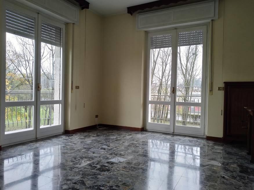 Appartamento in vendita a Casteggio, 3 locali, prezzo € 69.000 | CambioCasa.it