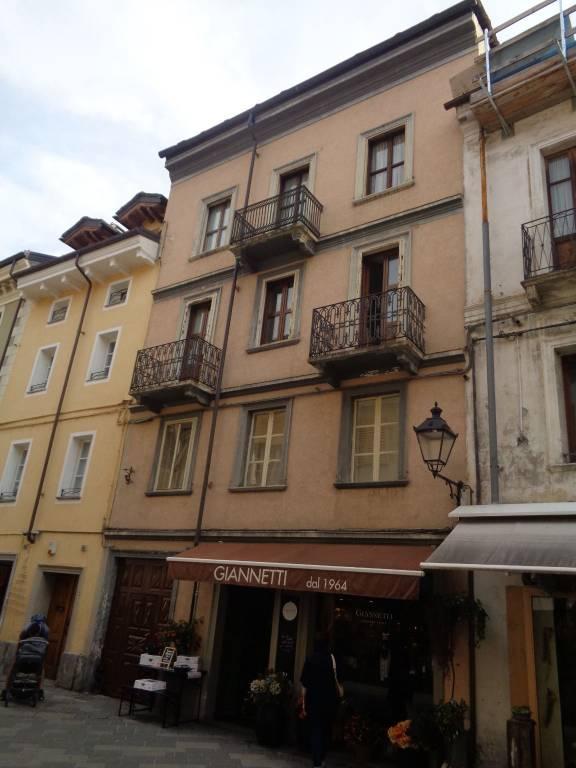 Foto 1 di Palazzo / Stabile via Sant'Anselmo, Aosta