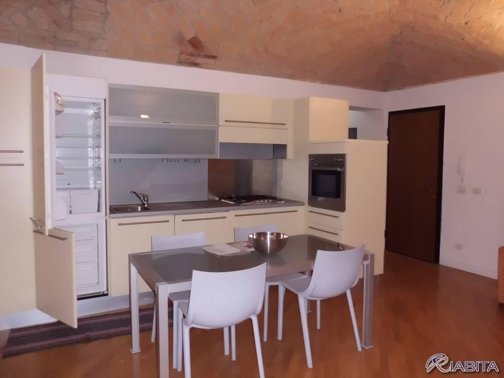 Appartamento in Affitto a Piacenza Centro: 2 locali, 50 mq