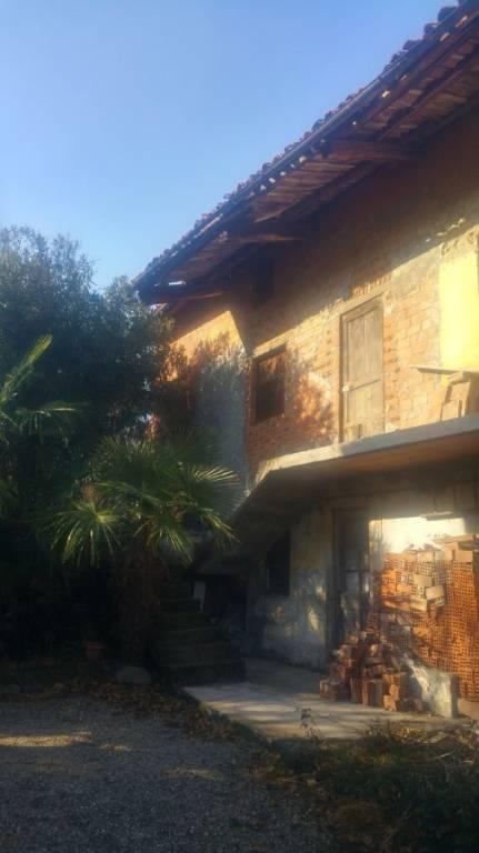 Soluzione Indipendente in vendita a Romano Canavese, 8 locali, prezzo € 25.000 | PortaleAgenzieImmobiliari.it