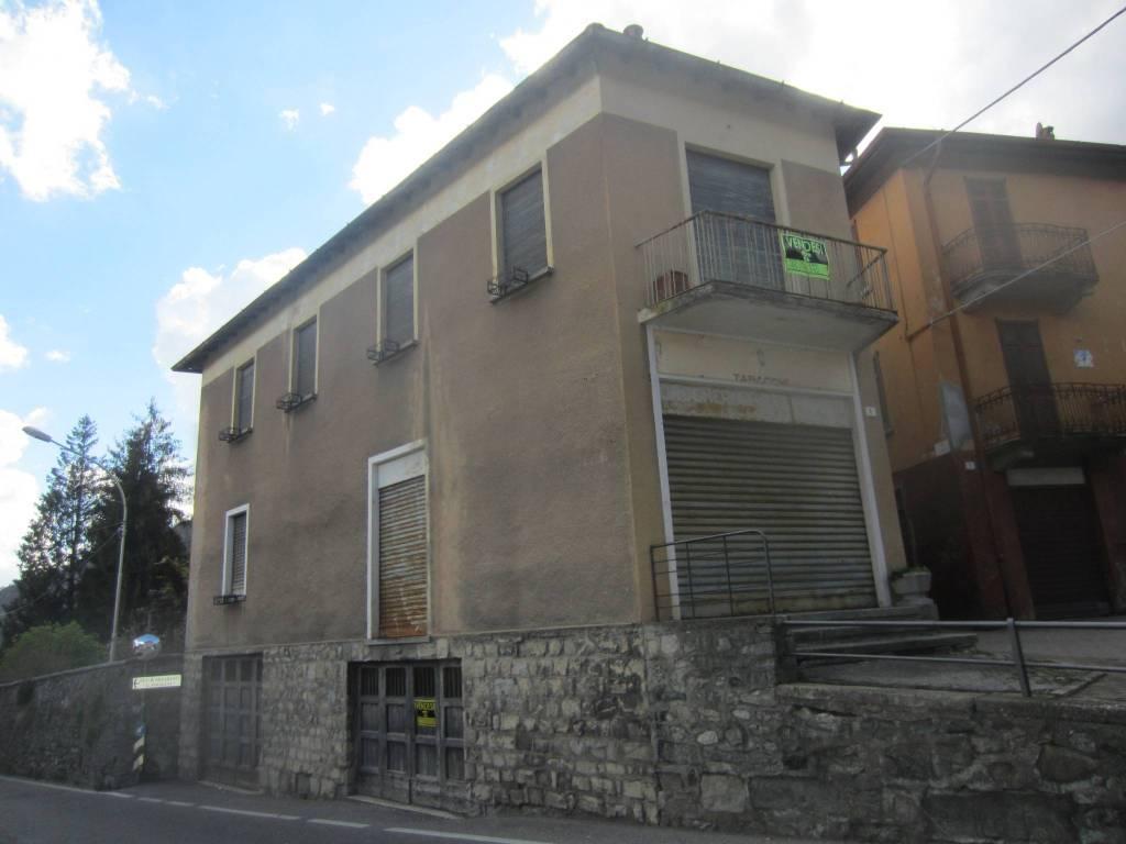 Palazzo / Stabile in vendita a Magreglio, 7 locali, prezzo € 100.000 | PortaleAgenzieImmobiliari.it