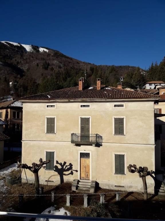 Villa in vendita a Magreglio, 12 locali, prezzo € 180.000 | PortaleAgenzieImmobiliari.it