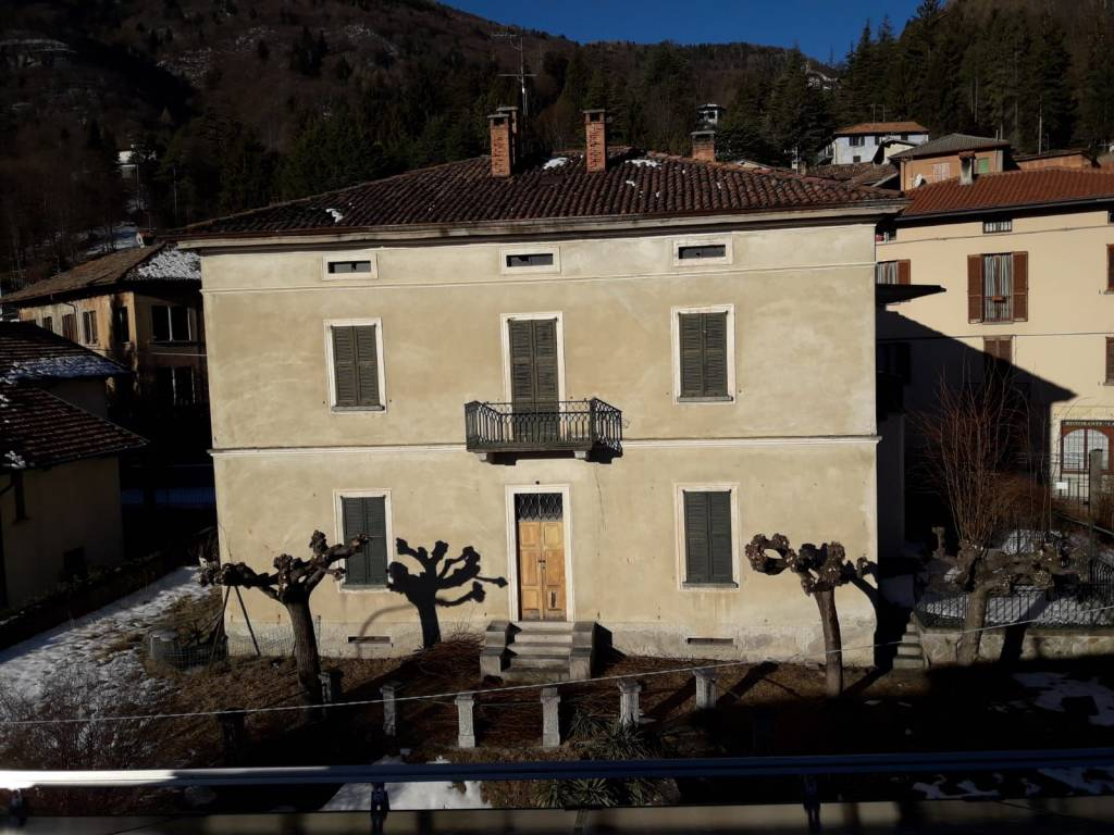Immobile Commerciale in vendita a Magreglio, 9999 locali, prezzo € 280.000 | PortaleAgenzieImmobiliari.it